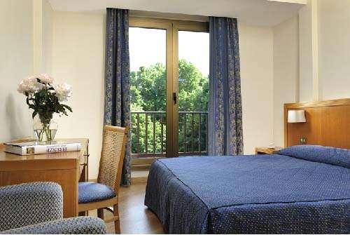 Gran-Hotel-Mediterraneo-Habitacion
