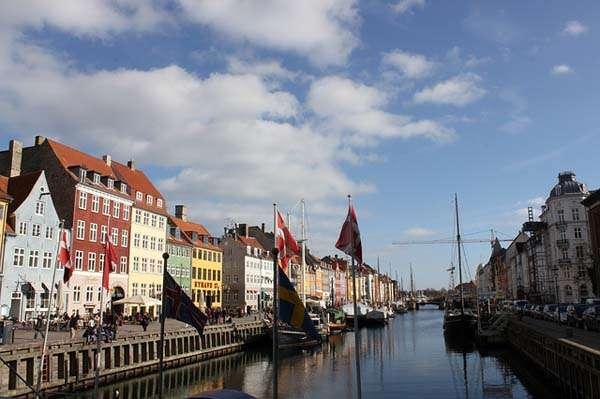 Puerto de Nyhavn en Copenhague